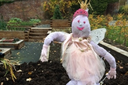 Wilton Lodge Park will host a hair-raising afternoon as the second annual scarecrow design and pumpkin carving competition takes place this Sunday 23 October.